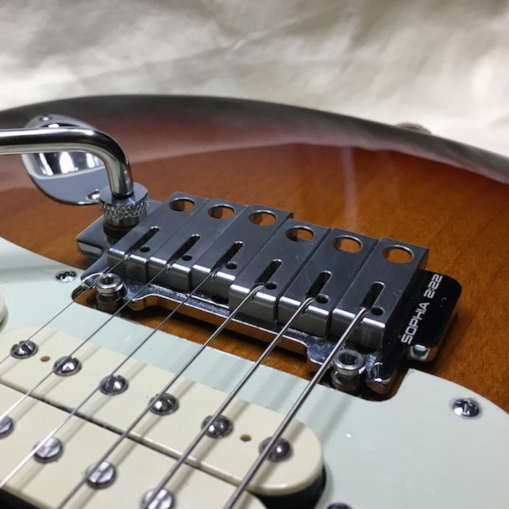 SOPHIA 2:22 Standard Custom Shop Edition tremolo
