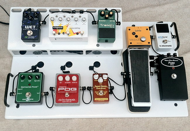 The Amp Shop/Guitarbasspro custom pedal board service