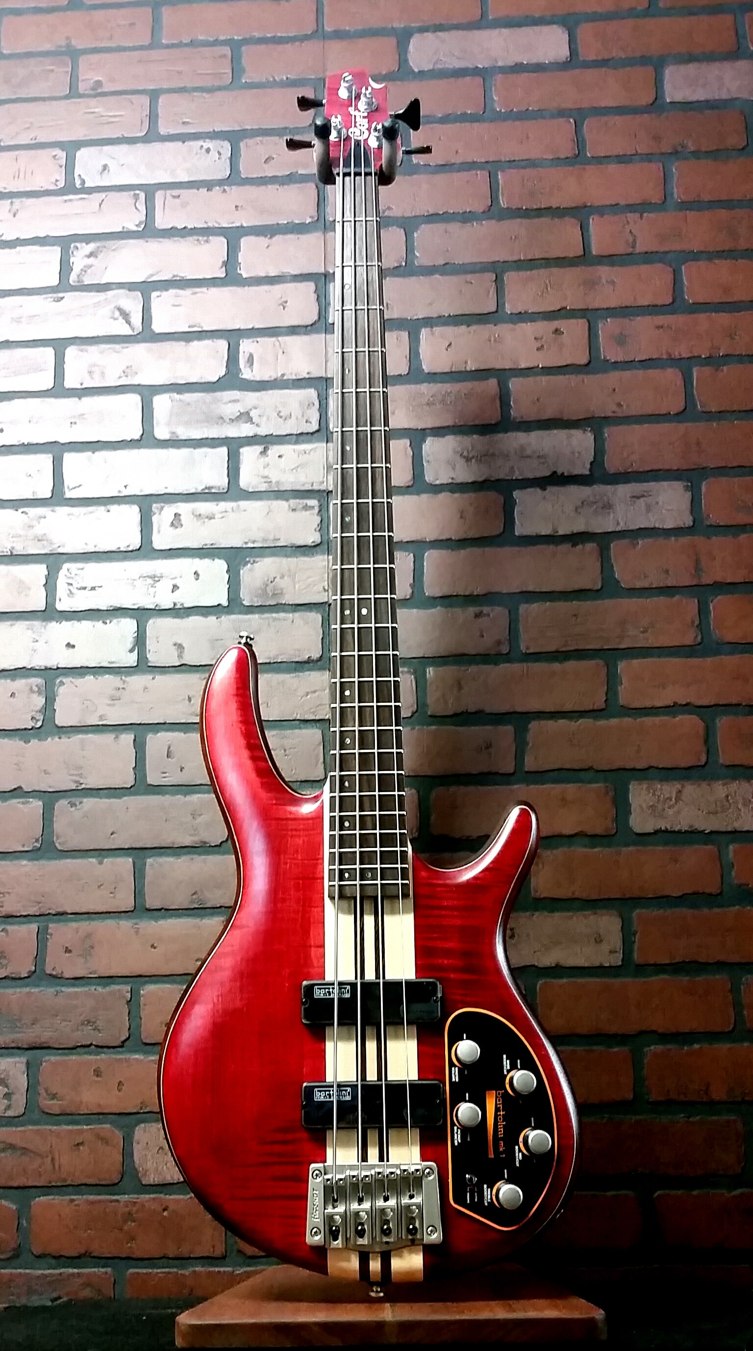 CORT A4 Plus FMMH bass 4 string bass