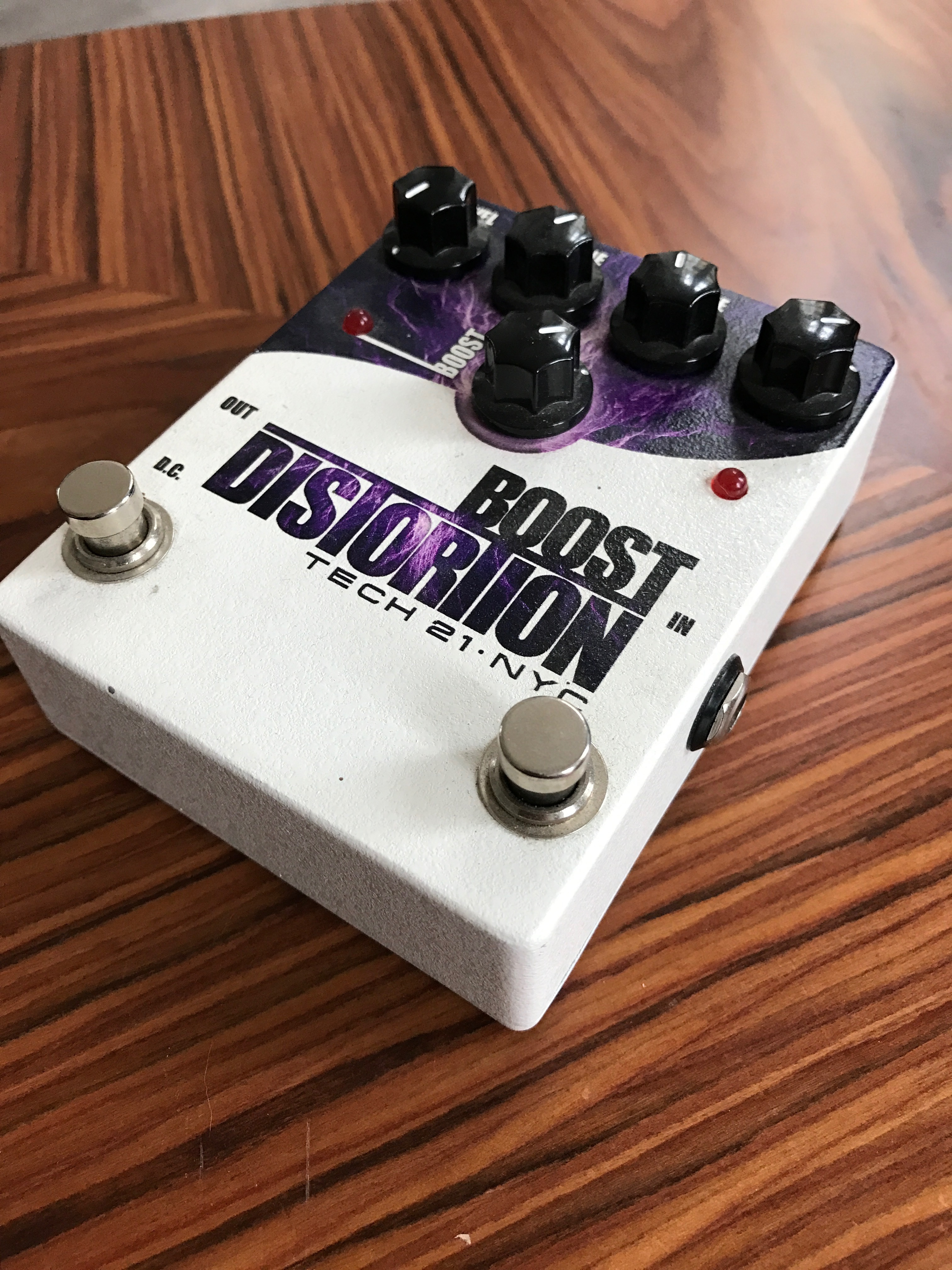 TECH 21 Boost Distortion
